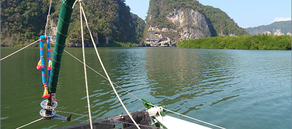 crewed or bareboat charters with Siam Sailing